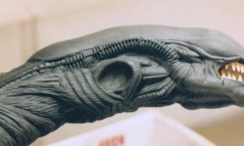 Alienschestburstersculpt