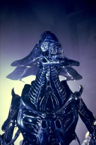 AliensQueenfrontview