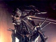 AliensQueenposesforcamera