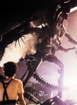 AliensQueenstandoff