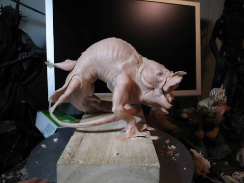 Thehostmaquette2