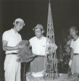 Godzilla1954handpupp