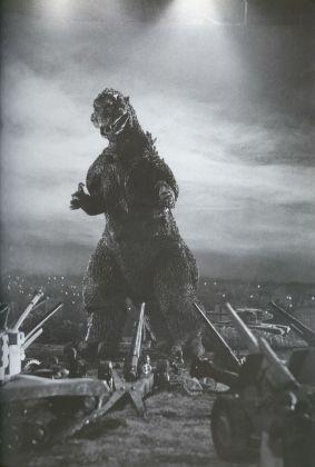 Godzilla1954looms